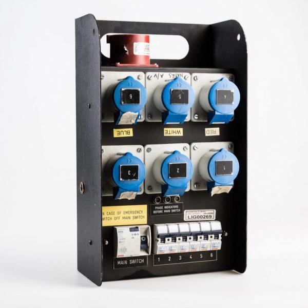 32amp-3phase-to-6x-16amp-Distro-Box_001