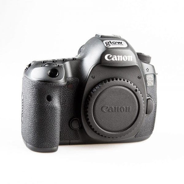 Canon-EOS-5DS-DSLR-Camera-body-50mp_001