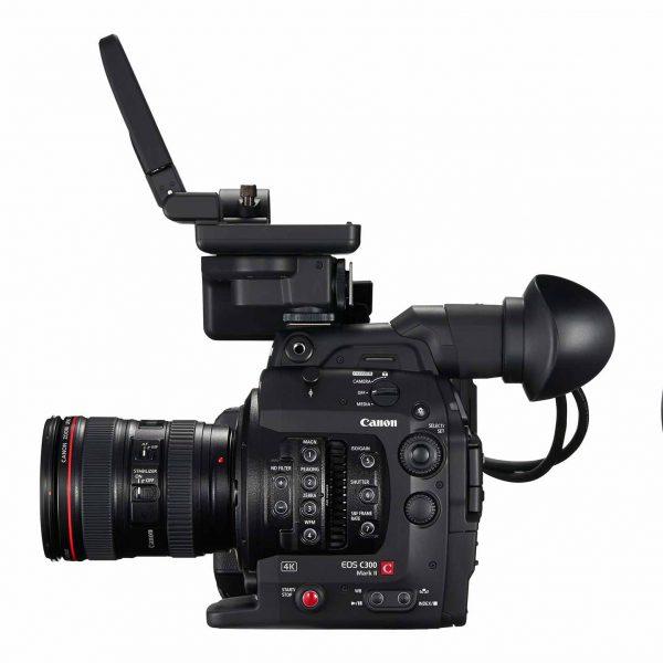 D181-RIGHT-24-105-f4L-LCD-Monitor-Up copy